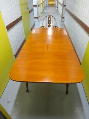 AU0.01 • Buy Used Solid Wooden Extending Dining Table With 6 Chairs Seats 4 To 6 Pick Up Only