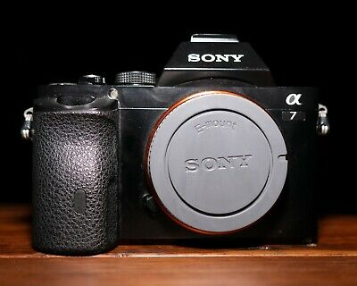 AU580 • Buy Sony A7 24.3MP Mirrorless Camera (Body Only)