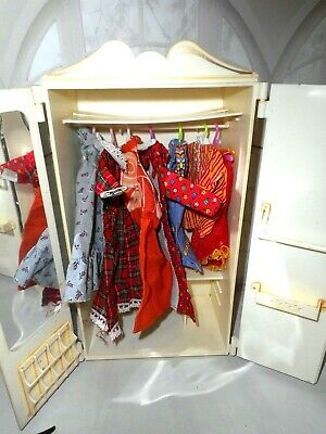 $ CDN24.17 • Buy Vintage Barbie Maddie Mod CLONE GIRL FACE SILHOUETTE ARMOIRE & CLOTHES TLC LOT
