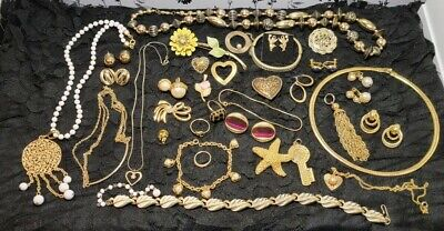 $ CDN13.91 • Buy Lot Of Vintage To Now Goldtone Jewelry, Untested, Unsearched