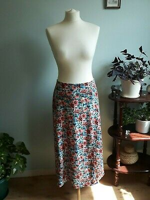 £3.50 • Buy Beautiful Ladies Flowery Long Skirt With Aperture In One Leg Size 12/14