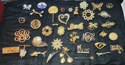 $ CDN16.17 • Buy Lot Of Vintage Brooches And Pins, Some Signed, Great Shape