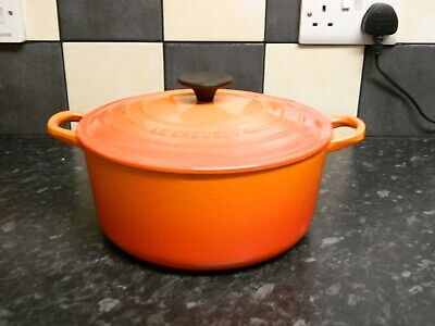 £10.50 • Buy Le Creuset Large Cast Iron  Casserole Dish And Lid In Orange Size 24