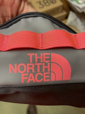 £39.99 • Buy The North Face Base Camp Travel Canister Wash Bag - Small 5.7l - Grey & Pink