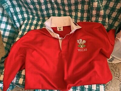 £5 • Buy Wales Rugby Shirt - Short Sleeve - Size L