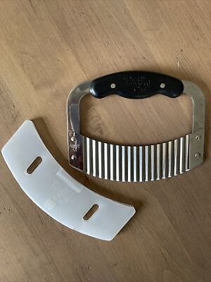 £3.60 • Buy Pampered Chef Crinkle Cutter Garnisher With Guard #1089 - Mint!