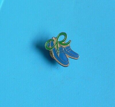 £1.50 • Buy Macmillan Cancer Blue Shoes 1998 Stud Pin Badge Cancer Charity