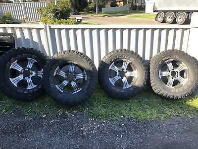 AU400 • Buy M/T Wheels And Tyres. Came Of 2004 Toyota Hilux 4x4. 285/70r17
