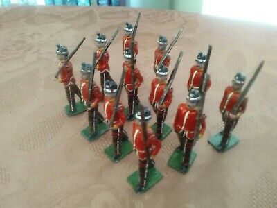 £40 • Buy Britains Vintage Lead Toy Soldiers 12 Pieces Highland Light Infantry Set No. 213