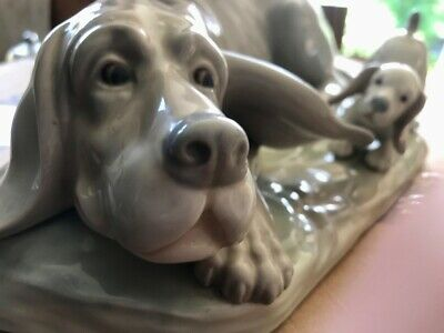£40 • Buy A Large & Very Beautiful Lladro Nao Bloodhound & Puppy Dog Porcelain Figurine.