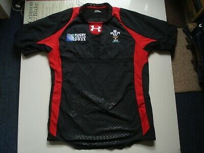 £20 • Buy Wales Rugby 2011 Lycra Mix Under Armour Shirt, XXL 43 Inch Chest Relaxed.,