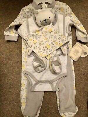 £17.99 • Buy Kyle And Deena Baby Girl Layette Set BNWT  7 Items 3-6 Months