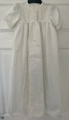£10 • Buy Christening Gown 6-12 Months Long
