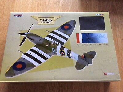 £70 • Buy Corgi Aviation Archive Aa31921 Spitfire 1:72 With Authentic 1:24 Merlin Engine
