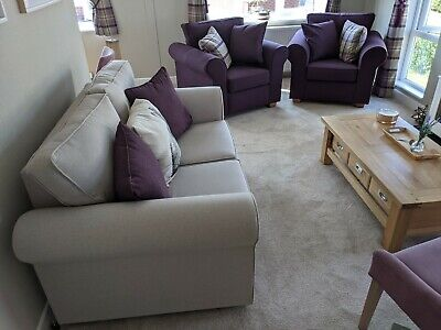 £300 • Buy Bellfield Furnishings 3 Piece Suite Brand New From Showhome With 7 Cushions