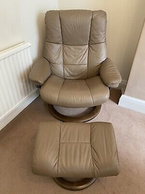 £750 • Buy Ekornes Stressless Mayfair Large Classic Swivel Recliner Chair And Stool