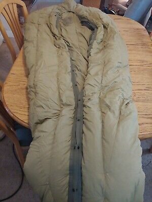$75 • Buy Vintage US Military M1949 Feather Filled Sleeping Bag