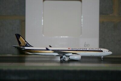 AU88 • Buy Aeroclassics 1:400 Singapore Airlines Airbus A330-300 9V-STO Defect Tail