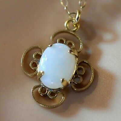 £45 • Buy 9 Ct GOLD Second Hand Opal Pendant & Trace Chain