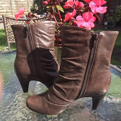 £23 • Buy CLARKS SOFT Brown Leather Ankle Boots Ruched Heeled Size UK 4.5