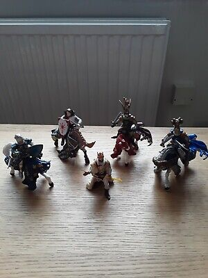 £2 • Buy Job Lot Of Papo Figures Knights Horses