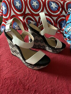 £10 • Buy Zara Black White Woven High Wedged Sandals Shoes, UK Size 6 EUR 39