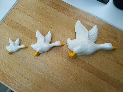 £19.99 • Buy 3 X Vintage Flying Ducks Pottery Wall Ornaments