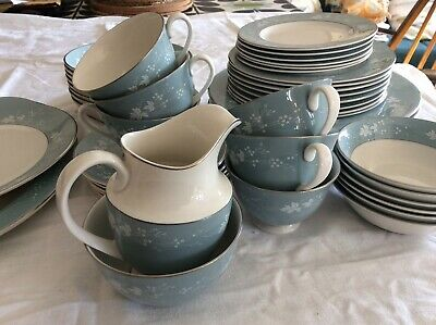 £15 • Buy Royal Doulton Reflections Dinner Service. Beautiful 6/8 Person Fine China Set.