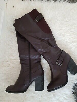 £6 • Buy New Look Leather Boots In Burgundy - Size 6