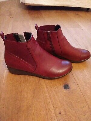 £10 • Buy Shuropody Burgundy / Red Ladies Boots Size 5, Worn Once