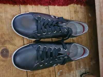 £15 • Buy Fred Perry Shoes Size 8
