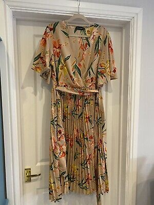 £3.40 • Buy Pretty Little Thing Beige Floral Short Sleeve V Neck Pleated Midi Dress Size 14