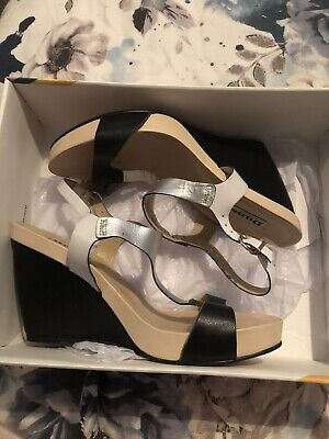 £5 • Buy Dune Strappy Wedge Sandals Size 6 Black/silver/white/nude Worn Once For Wedding