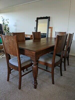 AU500 • Buy Beautiful Solid Wood Dining Table And Six Chairs, Good Condition!