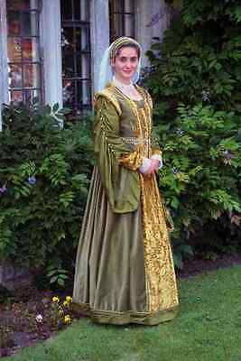 £8.99 • Buy 765013 Young Girl In Costume Of The English Tudor Period A4 Photo Print