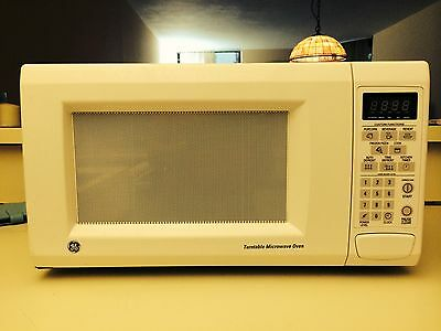$65 • Buy GE Microwave Oven 1000 Watts - Model JES1142WD04