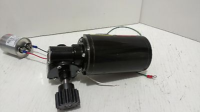 $200 • Buy Right Angle Gear Motor Baldor Industrial .04 HP 25:1 Ratio Output 67 RPM 1 Phase
