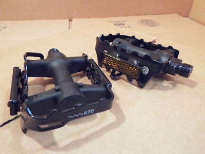 $7.99 • Buy New Bell Pedals W/Steel Cage And 9/16  Axle (Compatible W/Three-Piece Cranks)