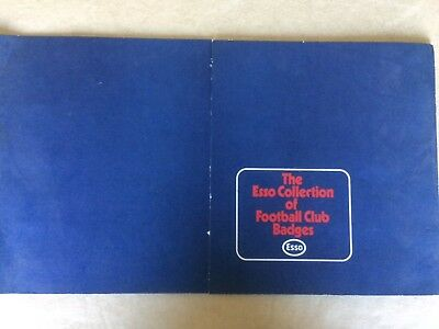 Esso Football Club Badges With  44 Out Of 76  Badges On Presentation Card (2) • 19.99£