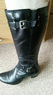 Womans Boots Size 5 Used • 20£