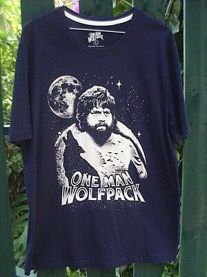CLEARANCE!! Warner Bros. MENS (L) The Hangover Inspired ONE MAN WOLFPACK T-shirt • 15.74£