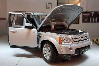 Land Rover Discovery 4 TDV6 HSE Silver 2015 1:24 Scale Diecast Detailed  Model • 23.94£