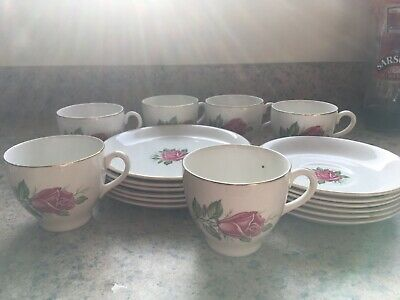 Barratts Delphatic Ware Rose Pattern 18 Pieces • 15£