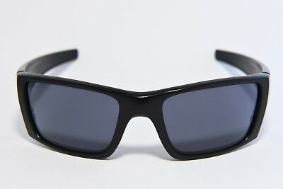 7b392bd3140a0 OAKLEY SI Fuel Cell With Matte Black Frame And US Flag Grey Lens • 67.99