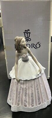 $295 • Buy Lladro 5858 Waiting To Dance Porcelain Figurine 8 5/8  Tall MINT WITH BOX
