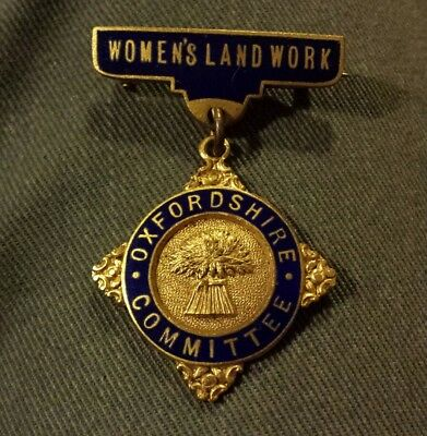 Womens Land Work Oxfordshire Committee Badge • 100£