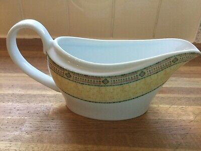 Wedgwood Home - Florence - Gravy / Sauce Boat • 12.99£