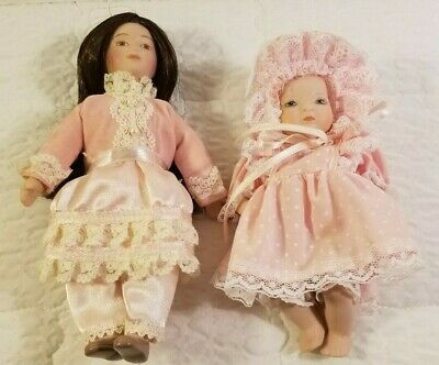 $ CDN40.39 • Buy Lot Two (2) Porcelain 5 1/2  Baby Doll Pink Dress And Bonnet & 6 1/2  Pink Doll