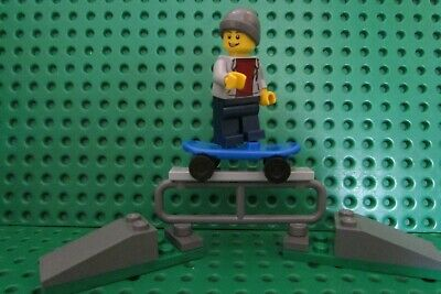 Lego Skateboard Skatboarder Minifigure With Ramps - New • 7.99£