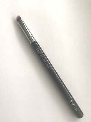 AU18 • Buy Zoeva Brushes 318 Soft Paint Liner